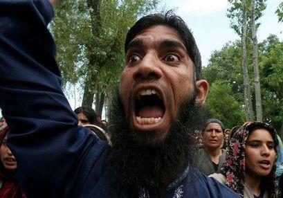 capt.bb53b30e82e34d6b87ae51d853725e46.india_kashmir_protest_rmx105
